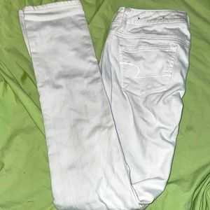 🦅 AMERICAN EAGLE 🦅 White stretch skinny Jeans size 0